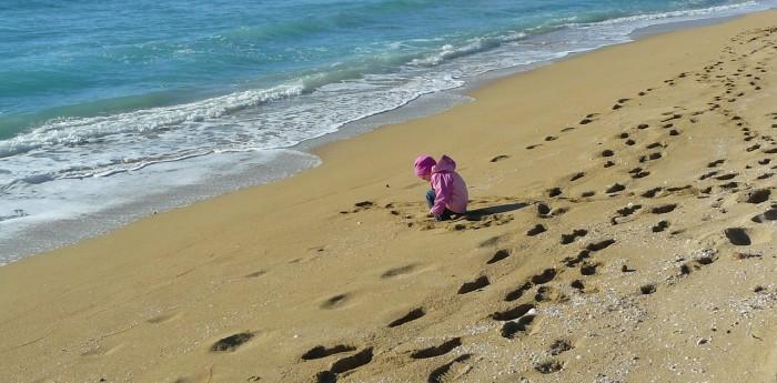 sand-beach-560855_1280