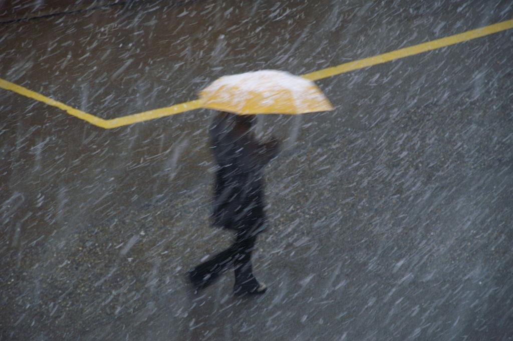 Yellow_umbrella