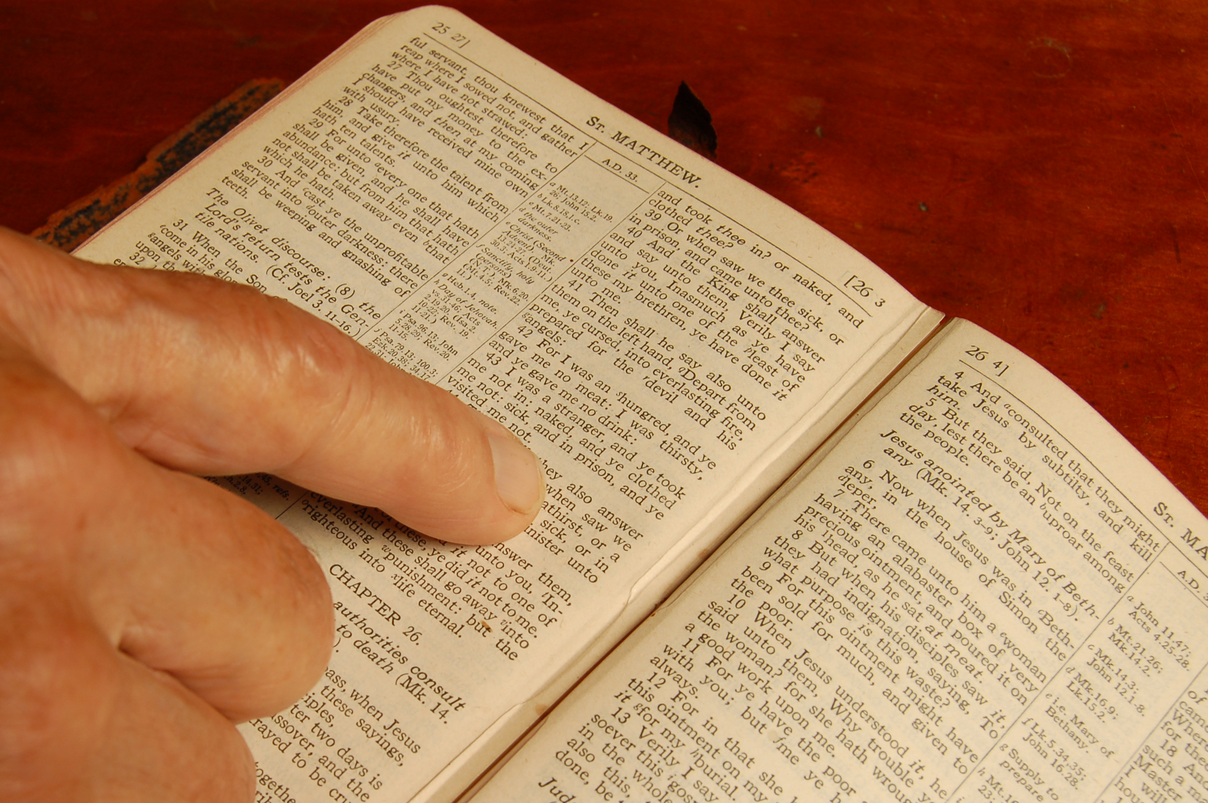 how to do bible study at home