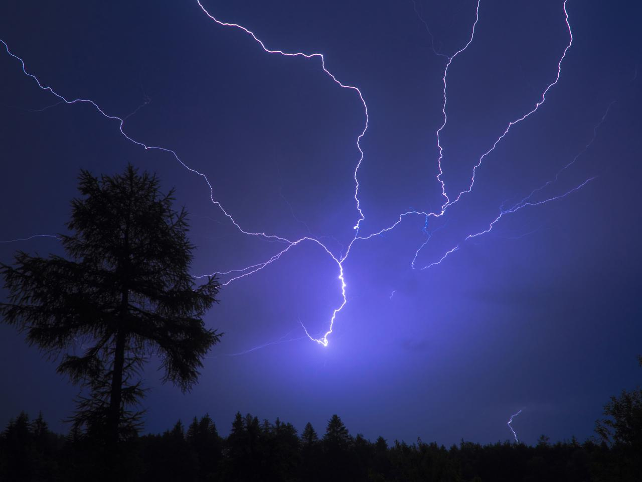 Blue-Night-Sky-Stormy-Beautiful-Dark-Lightning-Nature-65348