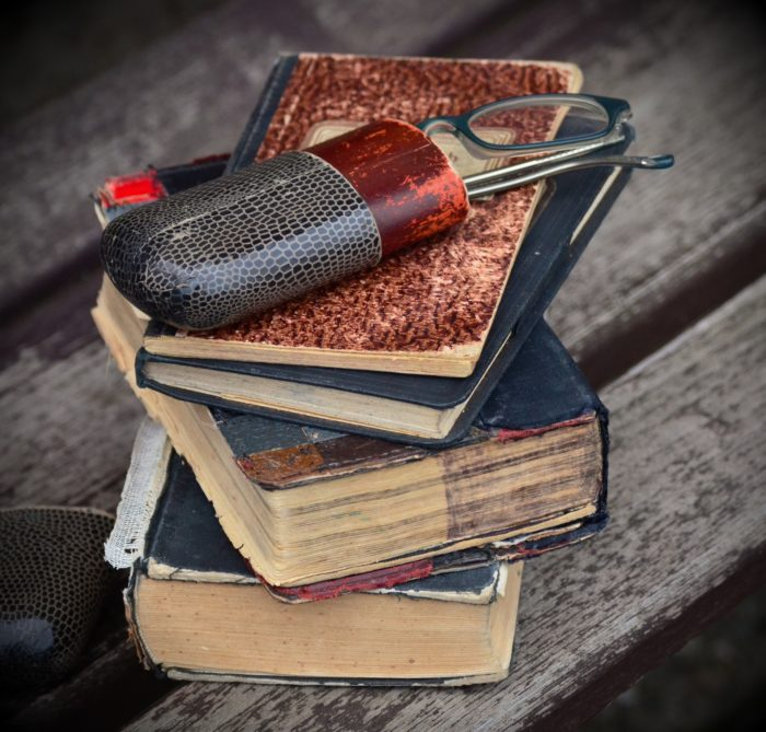 books-1131589_1920