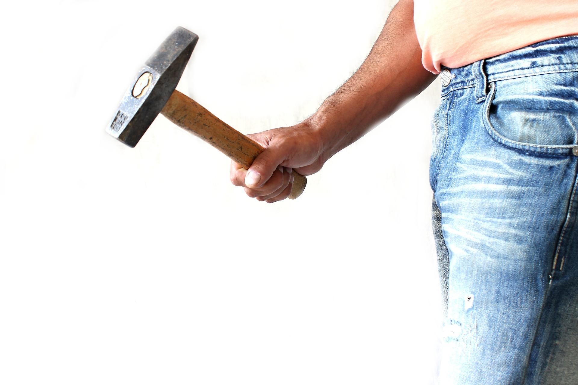 hammer-1008973_1920